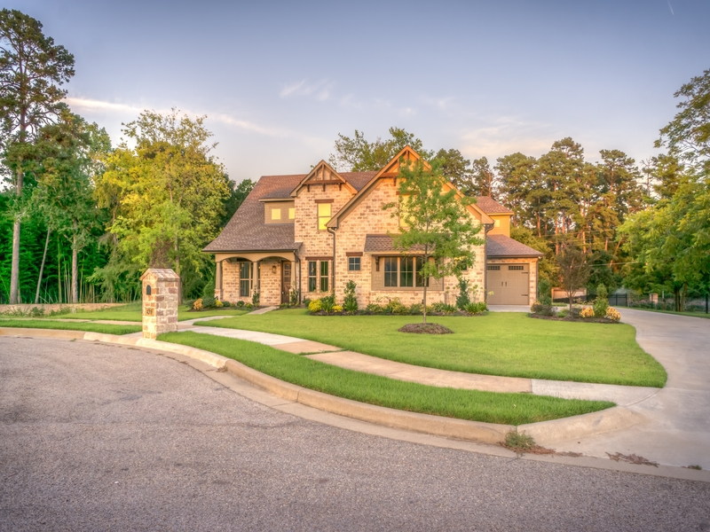What can negatively impact curb appeal