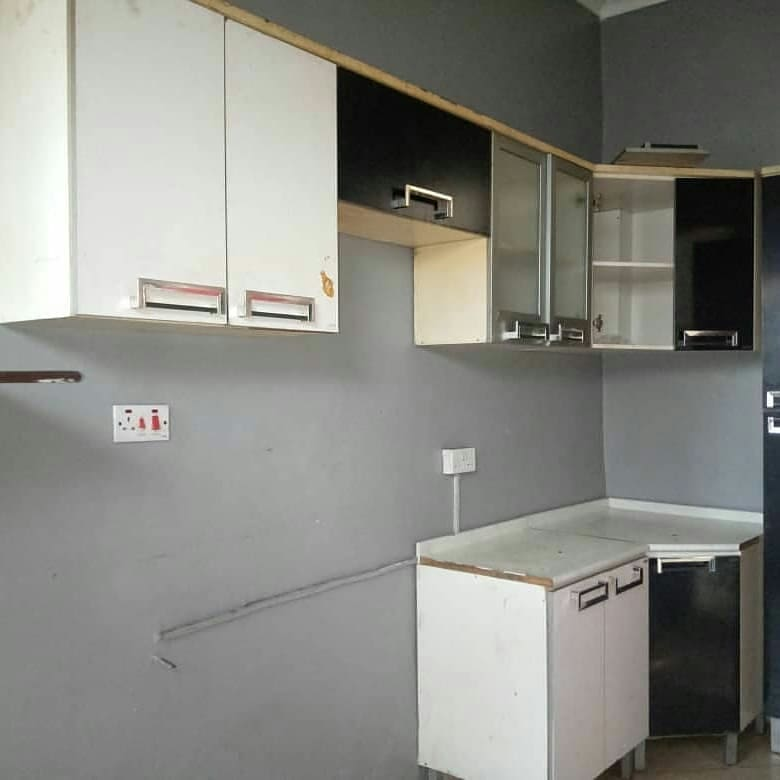 4 Bedrooms Apartments For Rent