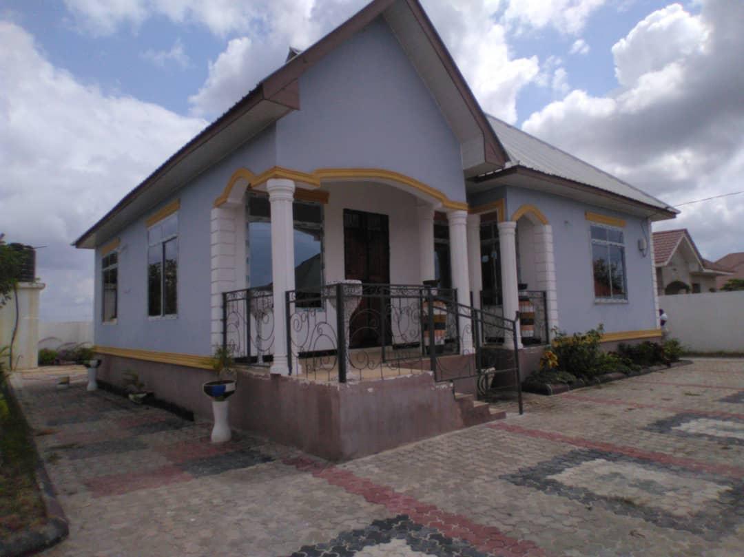 Sale at Kibada