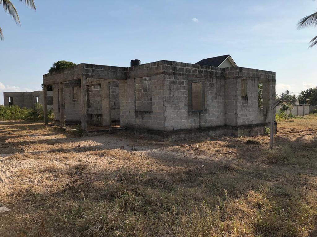 Sale at Mbutu