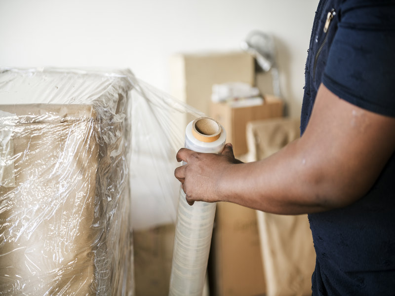 How to manage moving during the holiday season
